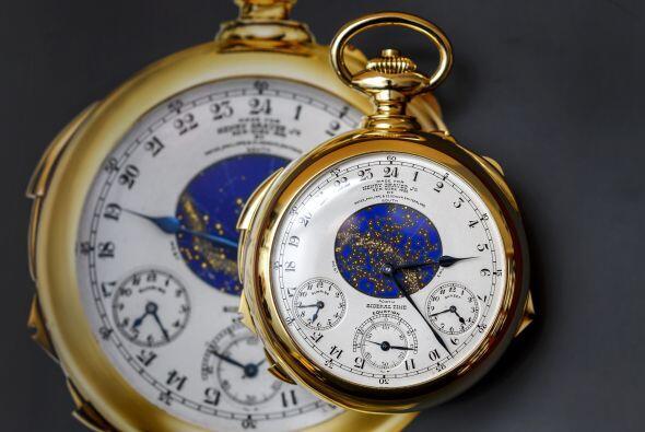 Es un reloj de oro y su costo es de $21. 3 millones. Su registro para la...