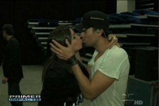 Enrique Iglesias besó a Giselle Blondet