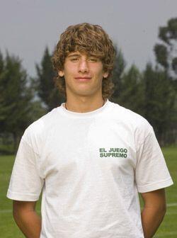Juan Pablo Martínez es un joven que aspira a vivir del fút...