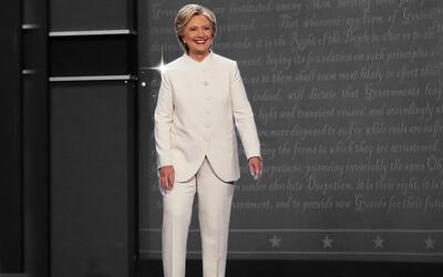 El traje blando de abotunadura completa que usó el miércol...
