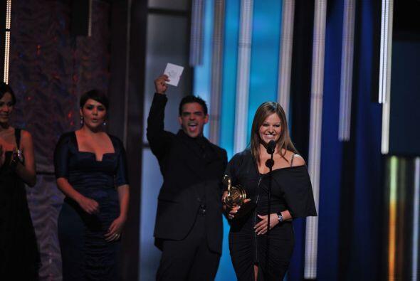 El actor José Ángel Llamas y la cantante Yuridia tuvieron el honor de en...