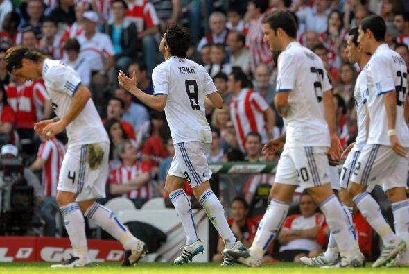 Era el primero y los de Mourinho festejaban, mientras los del Barcelona...
