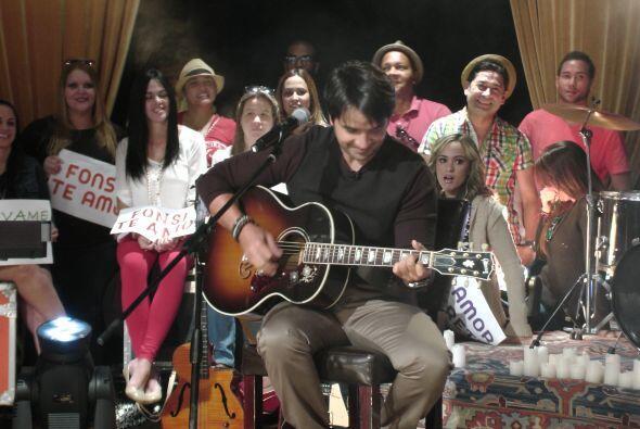El cantante boricua estuvo de visita en la casita más feliz de la televi...