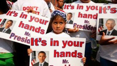 Miles de niños estadounidenses hijos de padres indumentados le piden al...