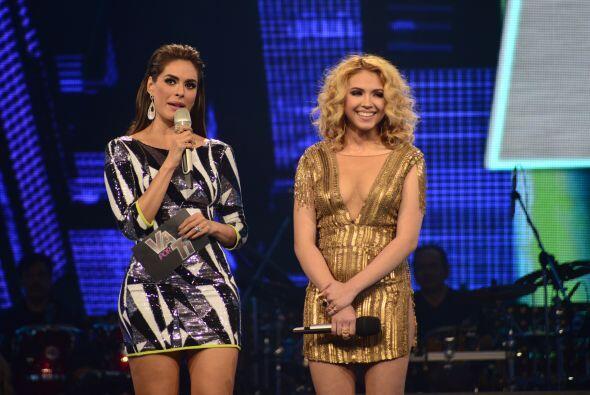 Paloma con Galilea durante su segmento en la cuarta gala.