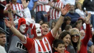 La justicia argentina condenó a dos 'barrabravas' a prisión perpetua por...