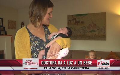 Doctora da a luz en carretera sin ayuda de nadie