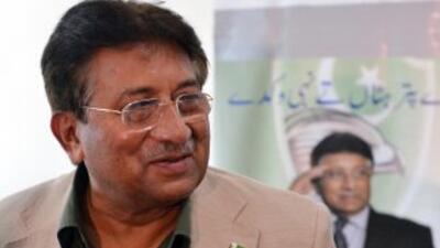 Los talibanes aliados a Al Qaida amenazaron con asesinar al expresidente...
