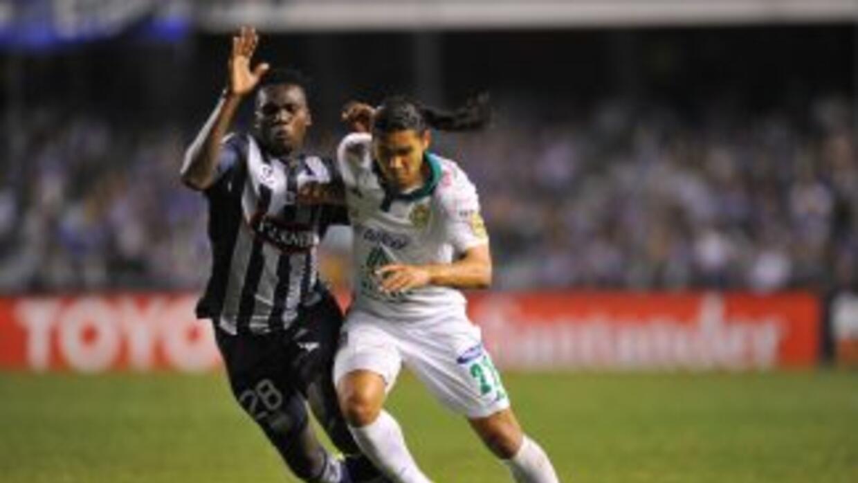 León cayó 2-1 en Ecuador ante el Emelec, tras un buen primer tiempo de l...