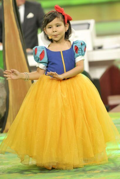 La pequeña Blanca Nieves, además de ser muy hermosa, ten&i...
