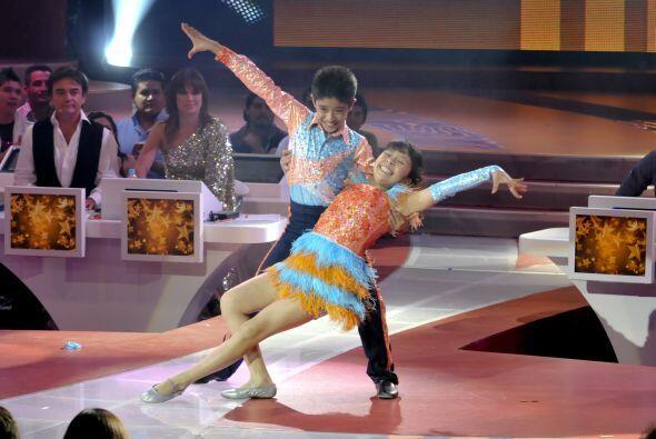 """Para defender su lugar en la competencia los bailarines de """"Los Rebeldes..."""