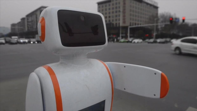 El videíto: Robocop existe y patrulla las calles de China
