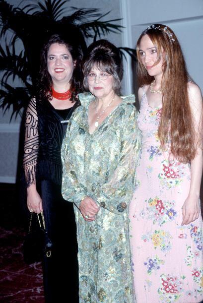 Vivian Kubrick, al extremo derecho, es compositora y sí, hija del direct...