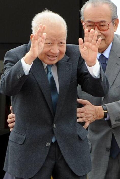 15 de octubre. Norodom Sihanouk, 89 años de edad. Ex rey de Camboya que...