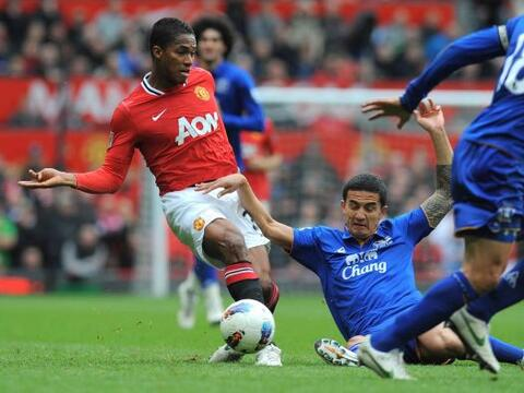La fecha 35 de la Liga Premier inglesa arrancó con el duelo del l...