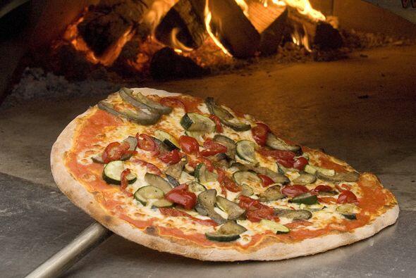 La masa para pizza es la base de este delicioso plato italiano, para hac...