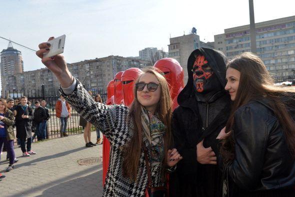 """Y como era de esperarse los turistas no se resistieron a una """"selfi..."""