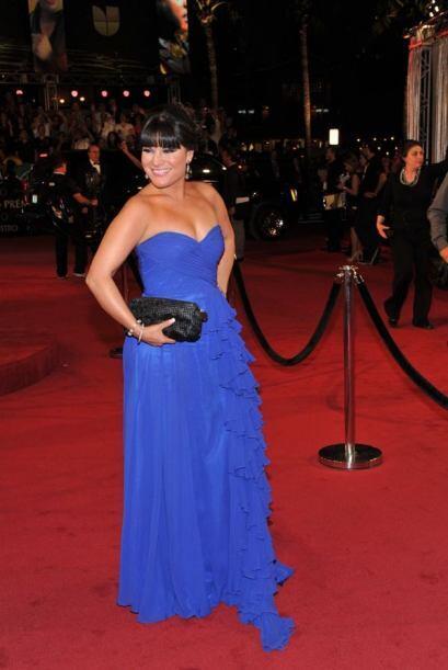 Diana Reyes usó un vestido azul rey con escote en forma de corazón y ola...