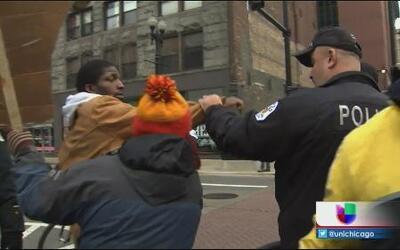 Primer arresto en protesta por brutal policial