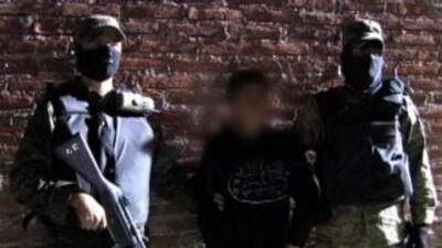 """El niño sicario """"El Ponchis"""" regresa a Estados Unidos tras su liberación"""
