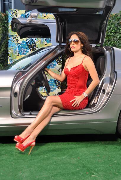 Karla Martínez sabe elegir, por lo menos automóviles. En Despierta Améri...