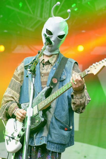 ¡Al parecer un alien se perdió en el escenario!