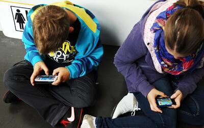 Sin Rollo: La edad ideal para darle a los hijos su primer teléfono celular