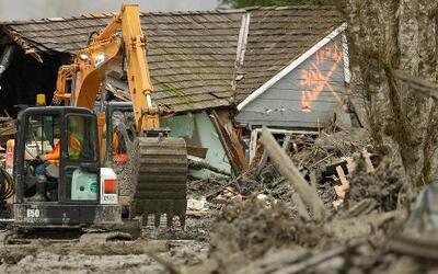 Hallan más cadáveres tras deslizamiento de tierra en Washington