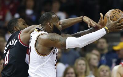 LeBron James logró su segundo triple doble de la temporada