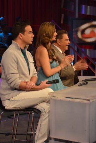 Junto con Tatiana Rodríguez y Alex Otaola, don Francisco dio su opinión...