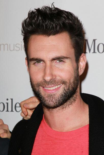 Adam Levine compartió cama con la actriz.  Mira aquí los videos más chis...