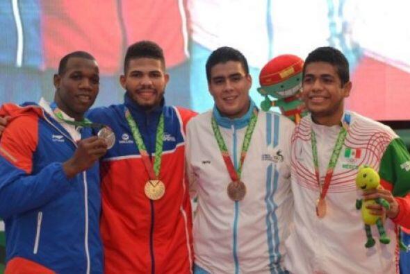 Con el dominio de República Dominicana, al ganar dos medallas de...