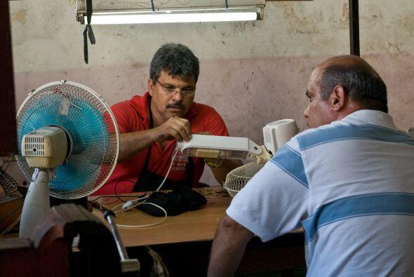 La Central de Trabajadores de Cuba (CTC) precisó el recorte, en los próx...