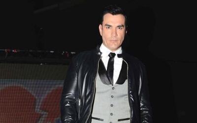 David Zepeda quiere robarse el corazón de Angelique en 'Tres Veces Ana'