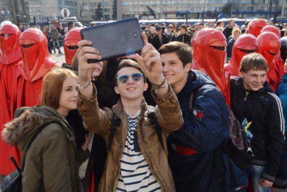 """Y ¿dónde toman esta """"selfie""""? se trata de los festejos cel..."""