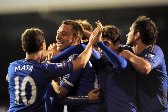 El capitán del Chelsea marcó dos tantos y le dio forma al 3-0 con el que...
