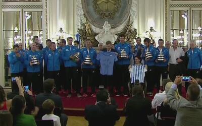 El equipo argentino de Copa Davis fue recibido por el presidente del paí...