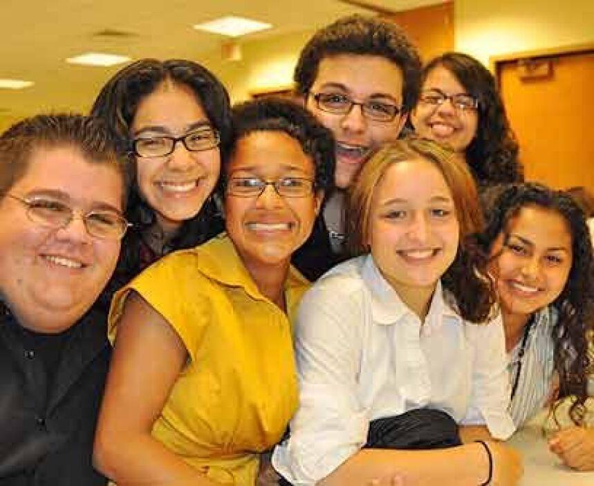 FelicesLos estudiantes, por su parte, disfrutan a pleno de las clases, l...