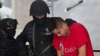Espinosa de Benito dijo que la banda se dedicaba a extorsionar a dueños...