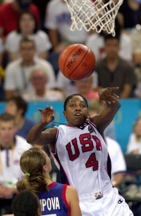 Teresa Edwards fue medallista de oro en cuatro ocasiones: Los Angeles, S...