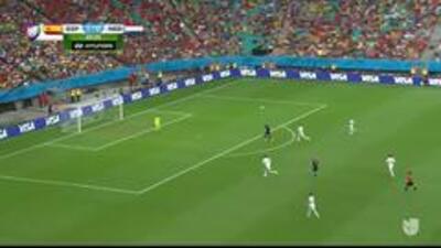 Gooool!!! Robin Van Persie remata de cabeza y anota para Holanda