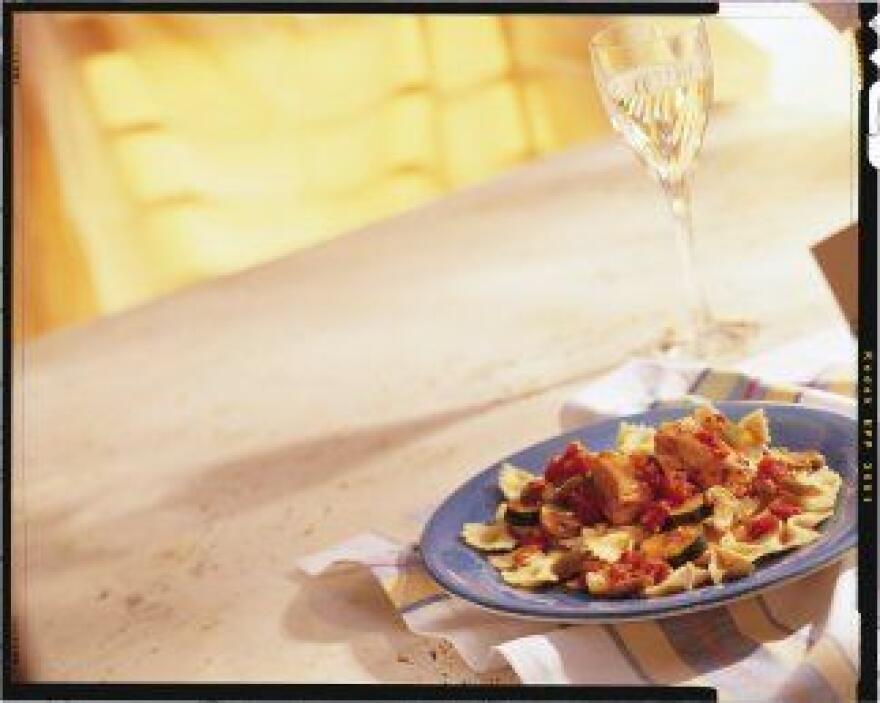 POLLO A LA CAZADORACon este plato te darás el lujo de combinar tres ingr...