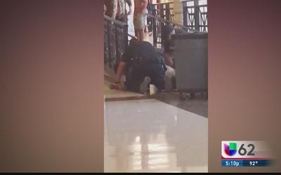 Policía es acusado abuso contra estudiante texano