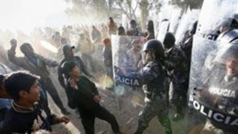 Indígenas se manifestaron contra la Ley de  Aguas que será aprobada por...