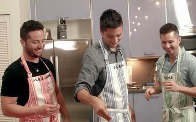 Los chicos de Boyce prueban los chiles en nogada (y rompen el estereotip...