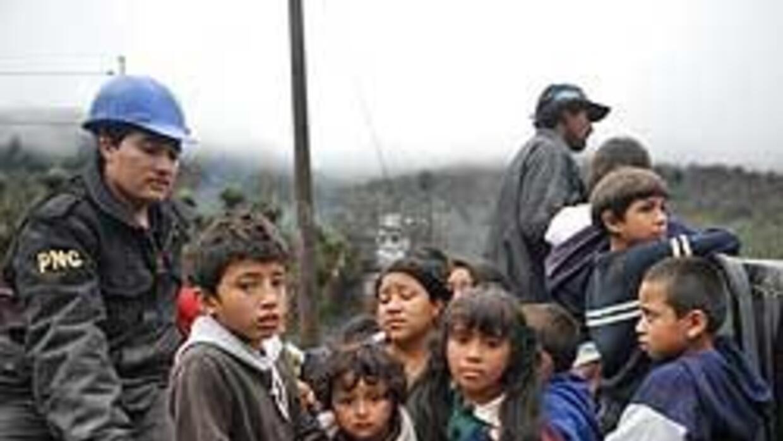 Guatemala vive las desgracias de erupción volcánica y de tormenta tropic...