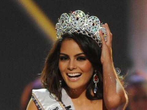 La joven mexicana ganó el Certamen de Miss Universo 2010, el pasa...