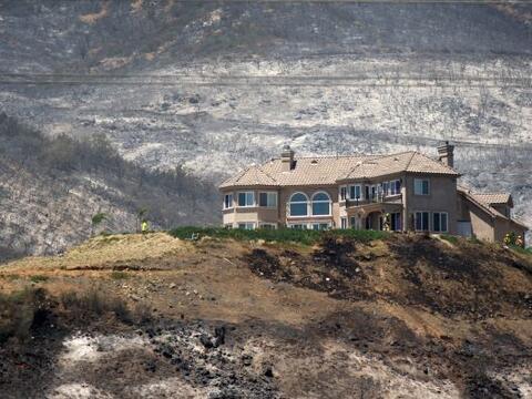 Tras toda una semana de incontrolables incendios, el Condado de San Dieg...