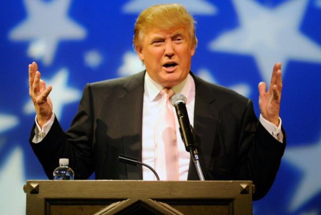 El magnate de bienes raíces Donald Trump lanzó el jueves una serie de in...