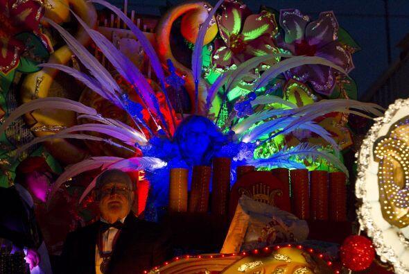 Este año, el carnaval parece más numeroso y vibrante que en los últimos...